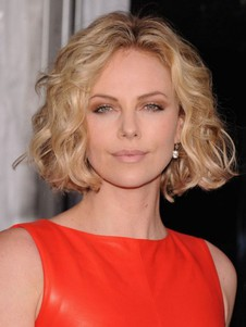 Blonde Wavy Female Tempting Short Wig
