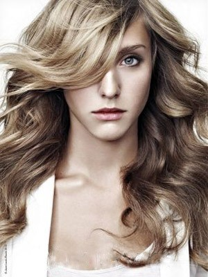 Polished Wavy Synthetic Capless Wig - Image 1
